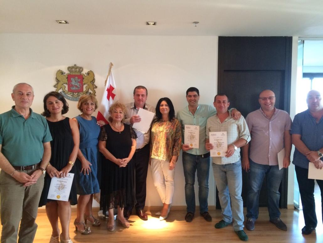 фото с выпускниками грузинской стороны